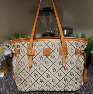 Dooney and Bourke Davis Shopper